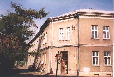 Widok Sądu Rejonowego w Ropczycach przed remontem w 2006 r.